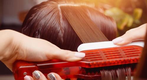 علاجات الشعر في الصالونات